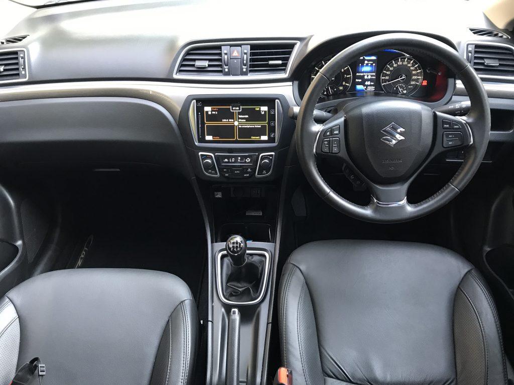 Suzuki-ciaz-interior