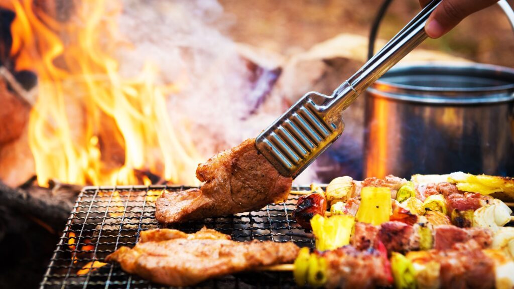 Meat on the braai stand